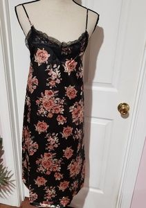 NEW BLack flowered  shift slip dress w/ lace trim